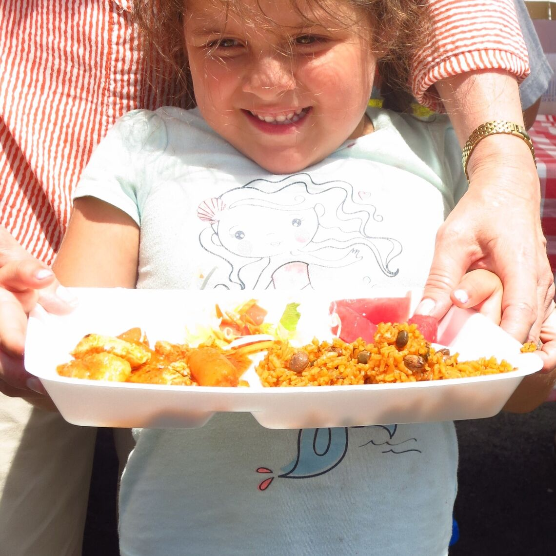 girl with tray of food