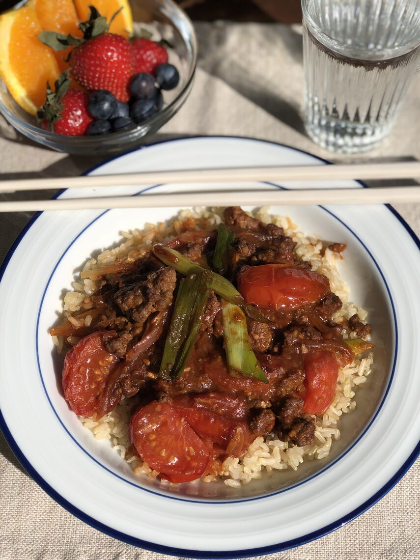 cantonese beef and tomato stir fry